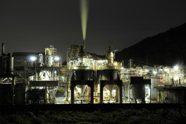 03・夜の工場