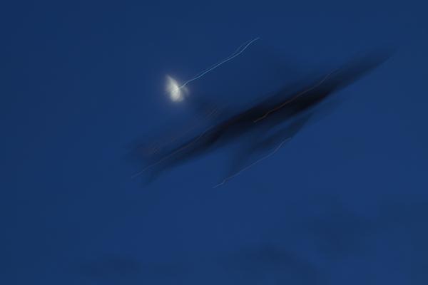 11・月と飛行機