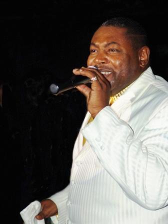singer02.jpg