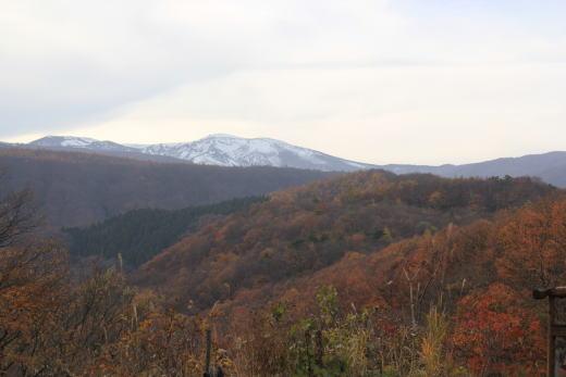 お山は雪だよ