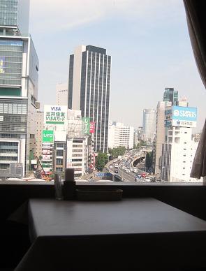 東京プラザ9階