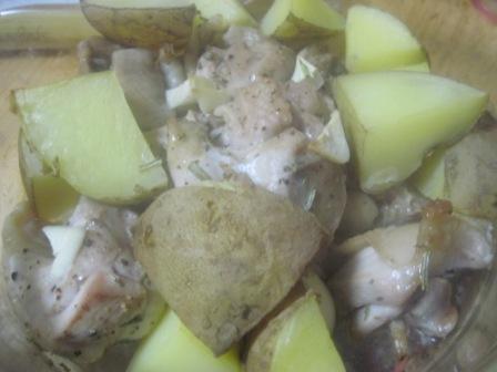 ギリシャ風鶏肉とじゃがいものレモン風味焼き