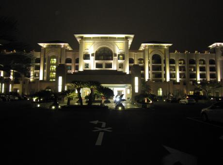LOTTE HOTEL 夜エントランス2