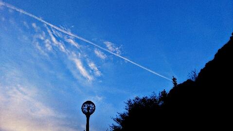PicsArt_1386323816327131206飛行機雲