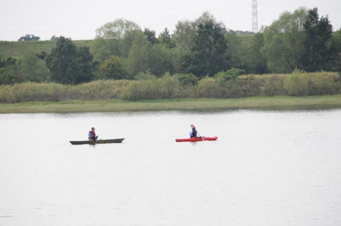 7681カヌー漕いでました。