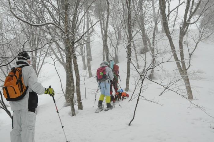 1023おお~雪中行軍。