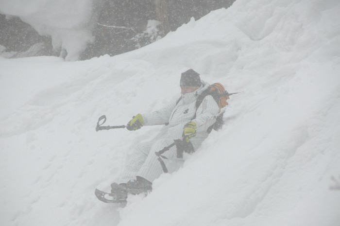 1104雪の斜面、滑っております!!