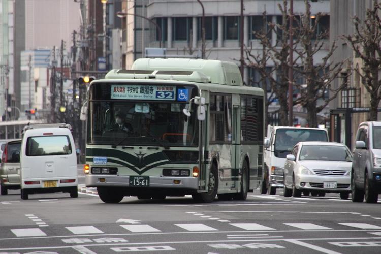 京都市交通局 四条通社会実験32系統