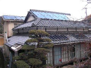 太陽光発電システムを付けている家=我が家
