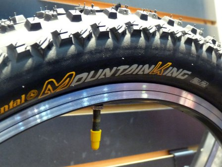 101014continental-mountain-king-mountain-bike-tires01.jpg