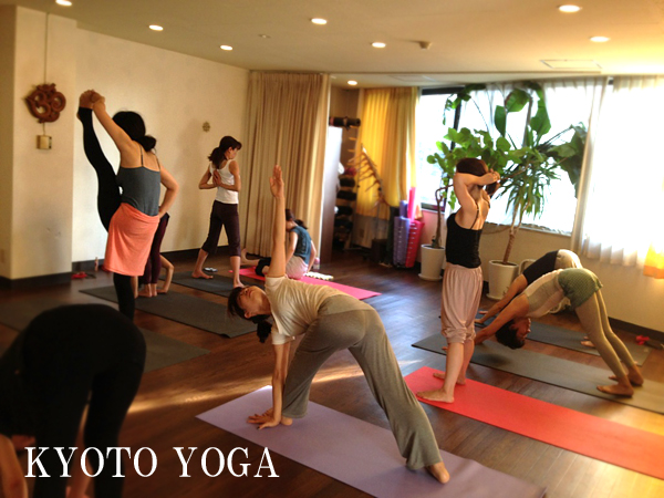 KYOTO YOGA sutudio class IYC KYOTO english workshop