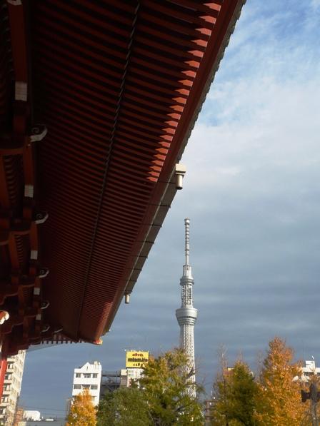 浅草寺から見たスカイツリー 2
