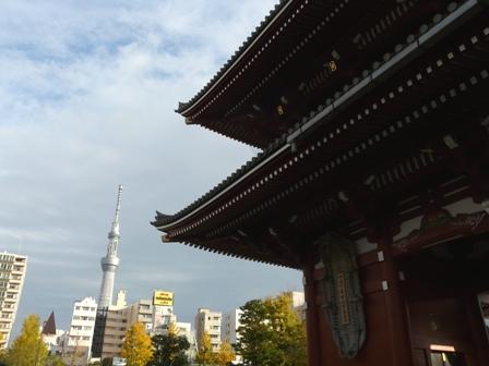 浅草寺から見たスカイツリー 3