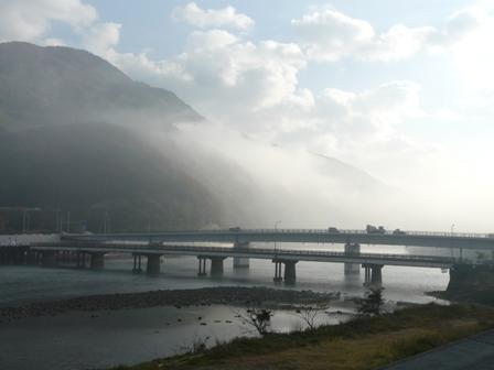 大和橋付近 肱川あらし 1