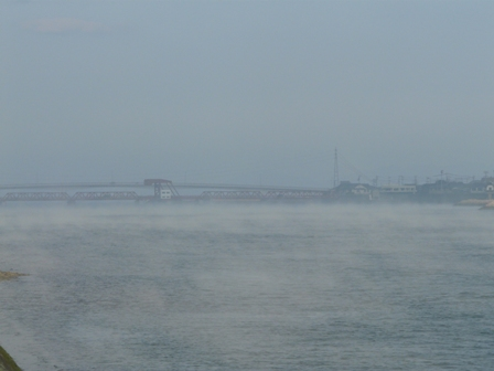 大和橋付近 肱川あらし 2