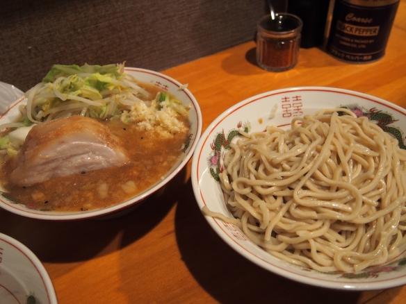 130406_豚星。_小ラーメン_つけ麺(冷)_ヤサイ少な目ニンニク