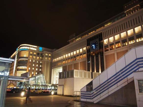 札幌駅(夜)