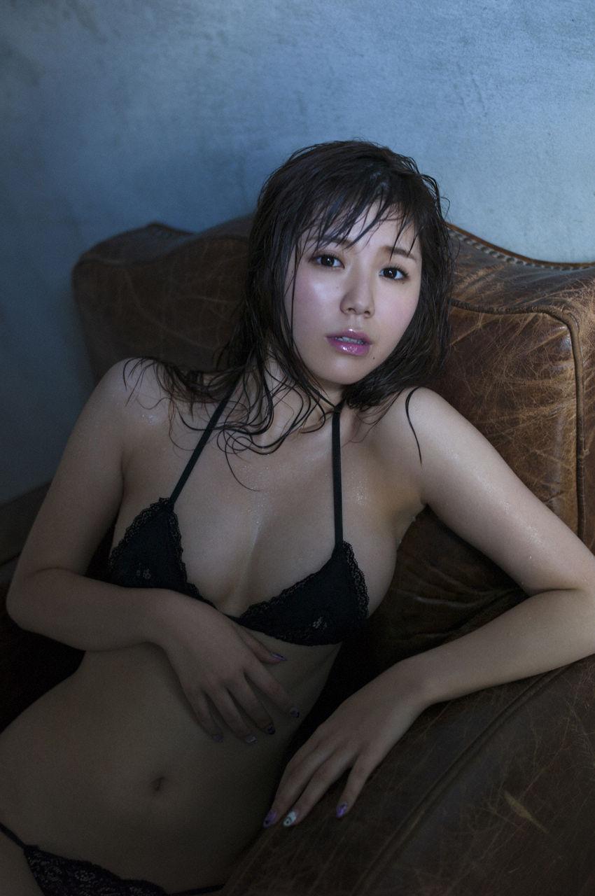 金子栞2-28