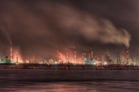 雨のJFE水島製鉄所夜景