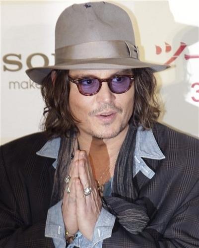 1_Japan_People_Depp_Jolie_sff.jpg