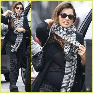 penelopez-cruz-london-lunch-date.jpg