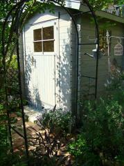 庭のログハウス