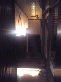 店入り口-階段