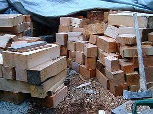 重箱石の薪割り4