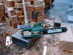 重箱石の薪割り3