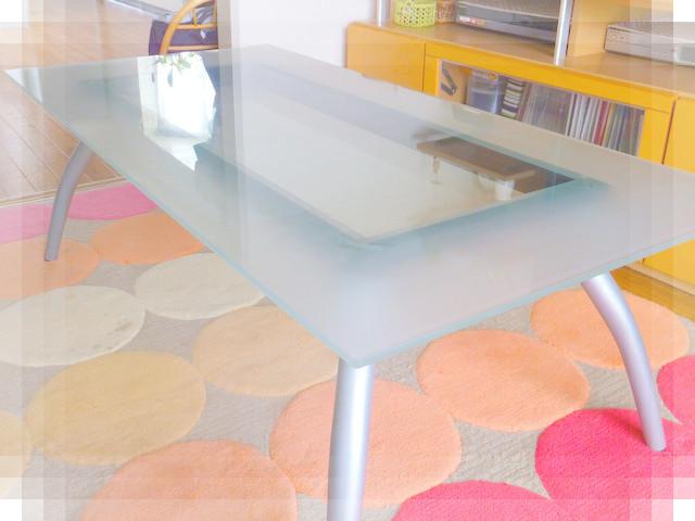 ガラスのテーブル2