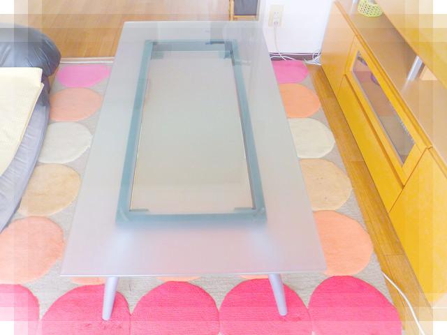 ガラスのテーブル1