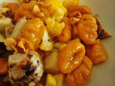 mono12-14かぼちゃのニョッキと海老芋とカリフラワー・コルゴンザオーラとナッツのソース2
