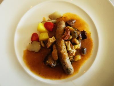 mono12-15NL産羊の肩肉と3種の豆の煮込み・自家製ソーセージと根菜のグリル