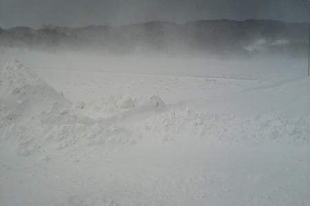 雪捨て場に919
