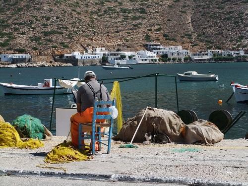 シフノス_カマレスの漁師さんと猫さん