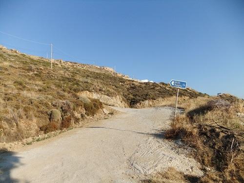 セリフォス_リヴァディから高台へ (2)