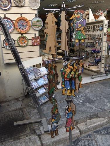プラカの土産物屋さん (1)