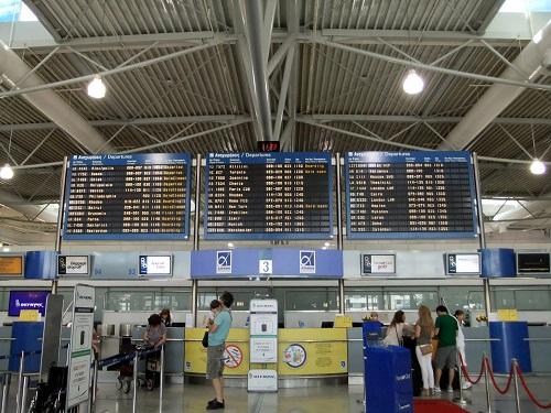 アテネ_空港にて (2)