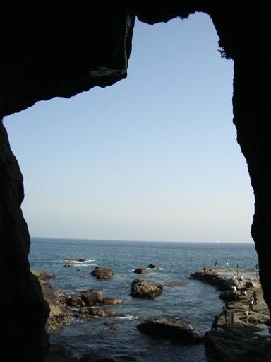 江ノ島岩屋より
