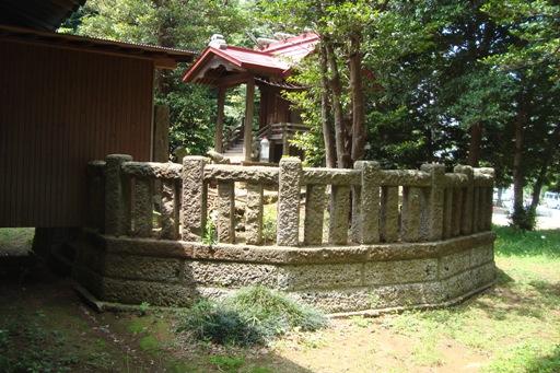 吾妻神社の古墳