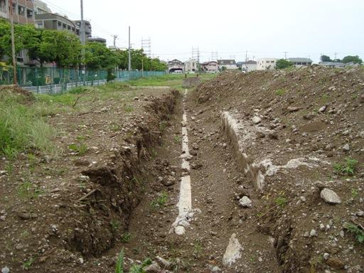 旧関東村の埋設菅
