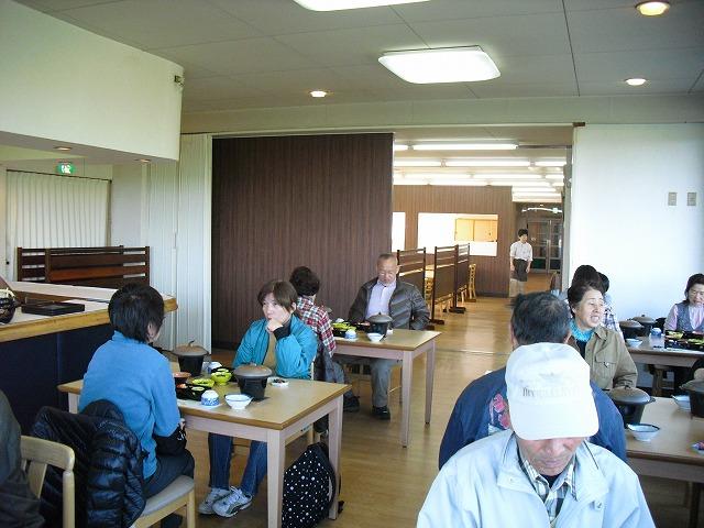 関ロッジでむかごご飯の昼食