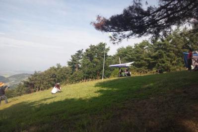 村田さん初山頂テイクオフ1