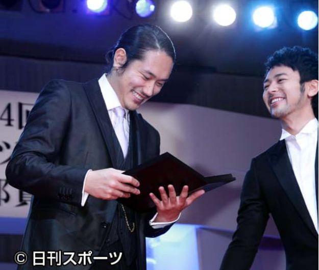 日刊スポーツ映画賞2011主演男優賞受賞007