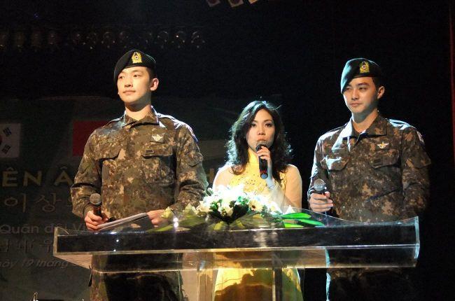 20120319ベトナム司会002