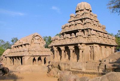800px-Bhima_and_Dharmaraja_temples.jpg