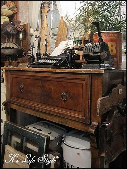 フランスの家具.jpg