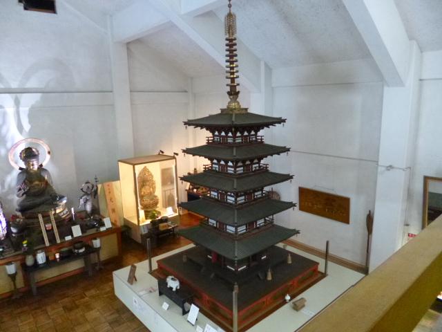 当時の建築技法を省略せずそのまま再現した小塔です