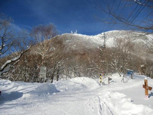 冬季通行止めの八丁峠から地蔵岳山頂