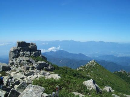 五丈岩と南アルプス